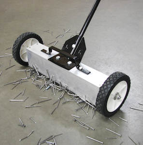 magnetic floor sweeper 300